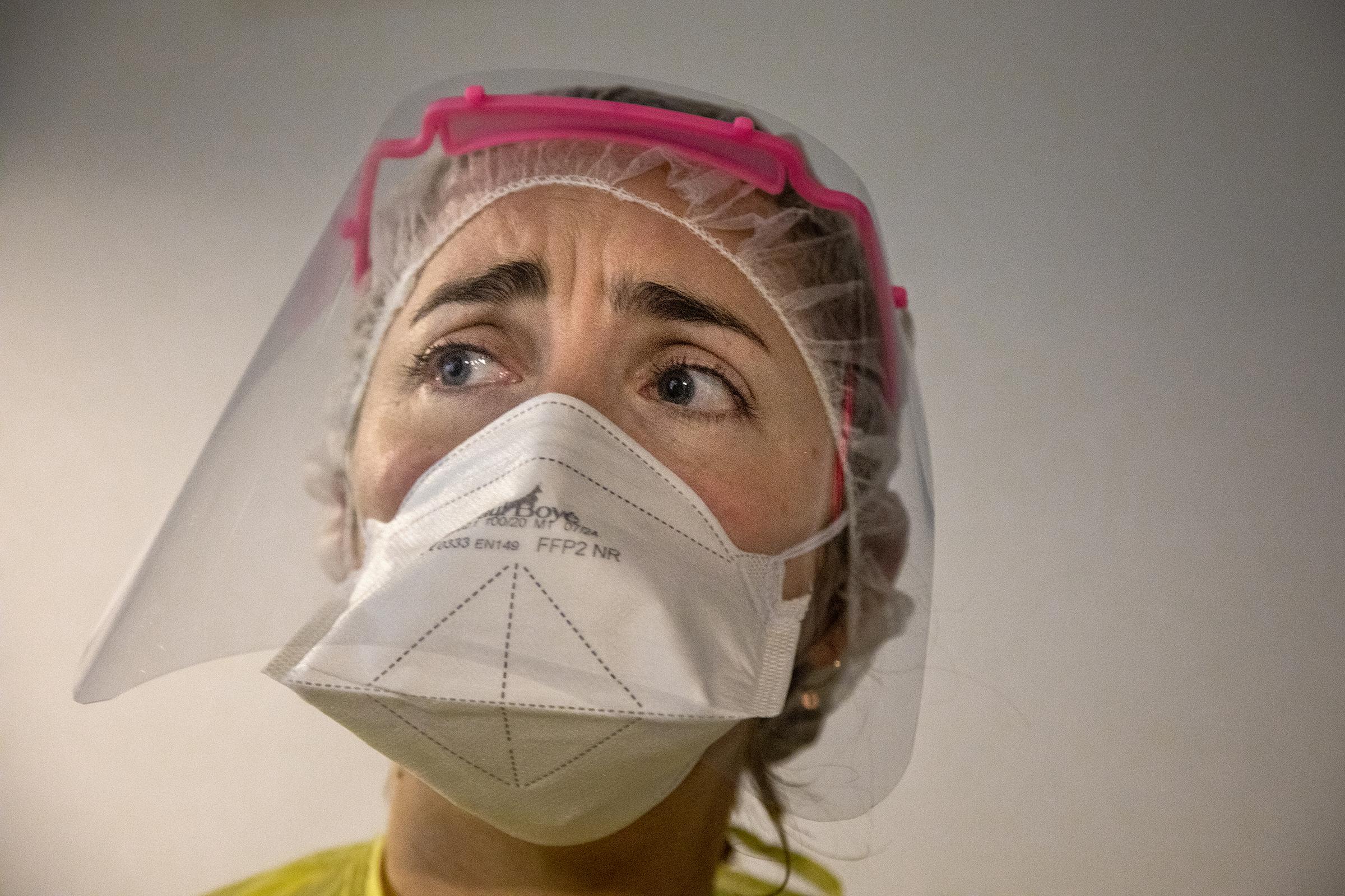 Norsk-franske Charlotte Rachline er akuttlege på covid19-avdelingen på ett stort sykehus utenfor Paris.